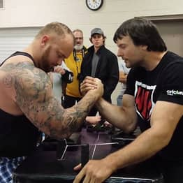 Game Of Thrones' The Mountain Challenges Armwrestling Champion To Match