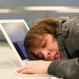 Researchers Think Too Much Social Media Is Messing Up Your Sleep
