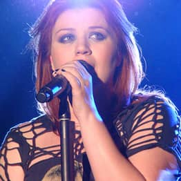Kelly Clarkson Claims That She Was 'Blackmailed' Into Working With Dr Luke