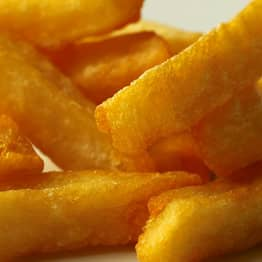 Teen Goes Blind And Deaf After Eating Nothing But Chips And White Bread For Decade