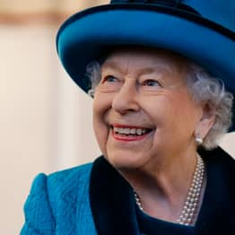 Royal Commentator Forced To Deny The Queen's Death