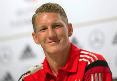 Internet Reacts To Manchester United's Move For Bastian Schweinsteiger