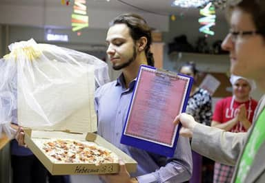 Man Marries Pizza Because 'Pizza Would Not Betray You And I Love It'