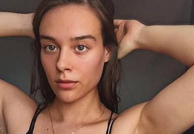 Fitness Blogger Who Hasn't Shaved Body Hair In Years Shows Off Her Growth