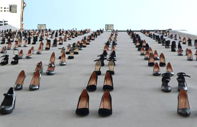 440 Pairs Of Women's Shoes Hung On Istanbul Wall To Highlight Turkey's Domestic Violence Problem