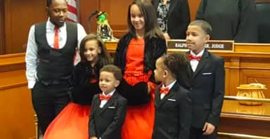 Single Dad Adopts Five Foster Siblings So They Can Stay Together