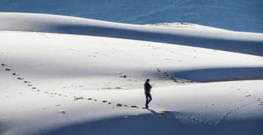 Snow Has Fallen On The Sahara Desert In Extraordinary Photos
