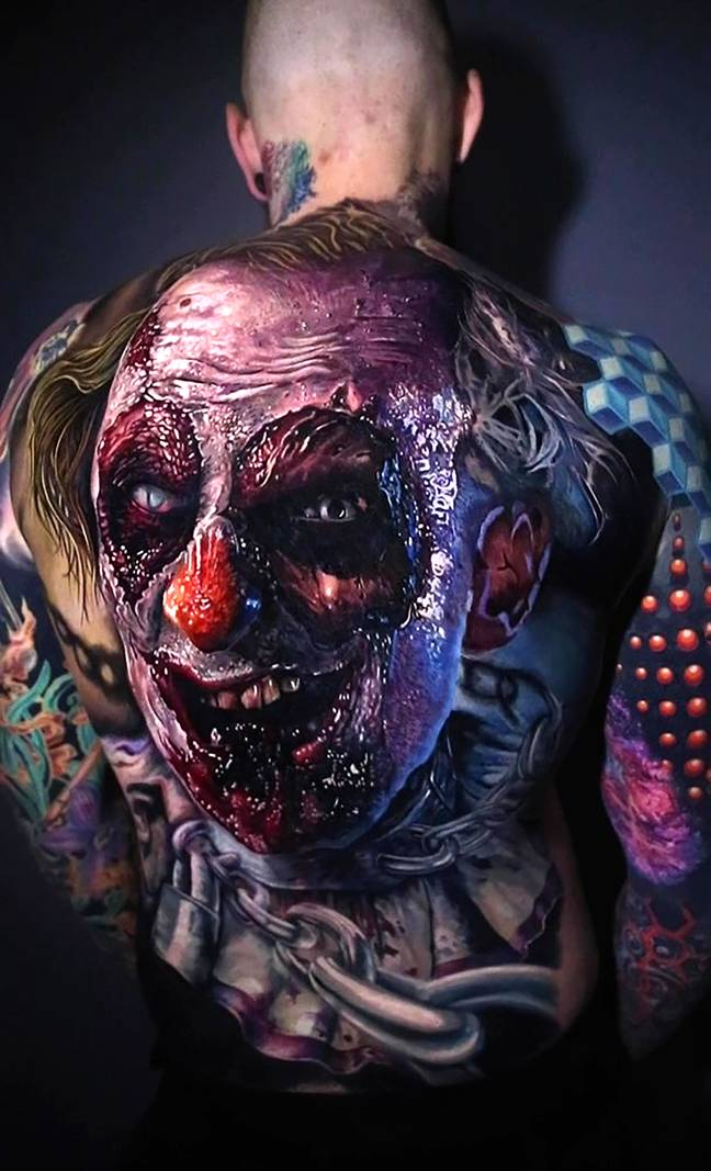 Creepy clown tattoo comes to life when guy moves