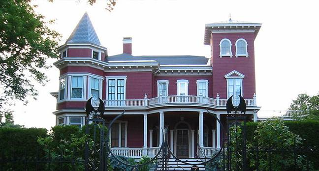 Stephen King's House Becoming Museum And Writer's Retreat