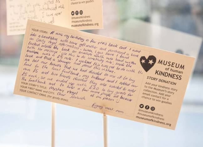 People sharing stories of kindness