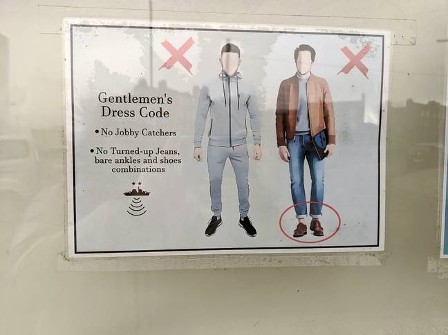 Pub Bans Men Wearing 'Jobby Catchers' And Shoes With No Socks