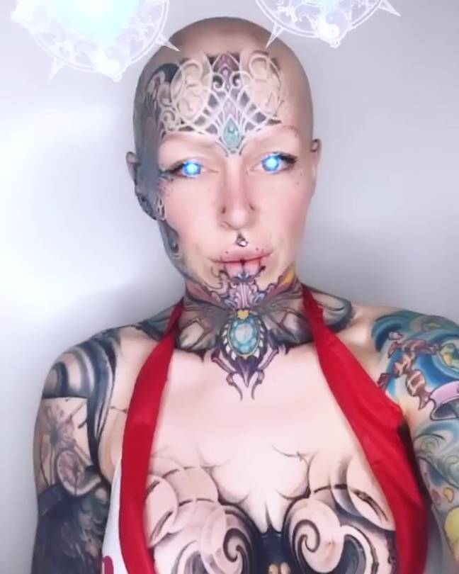 Woman Leaves Corporate Job To Become 'Living Piece Of Art'
