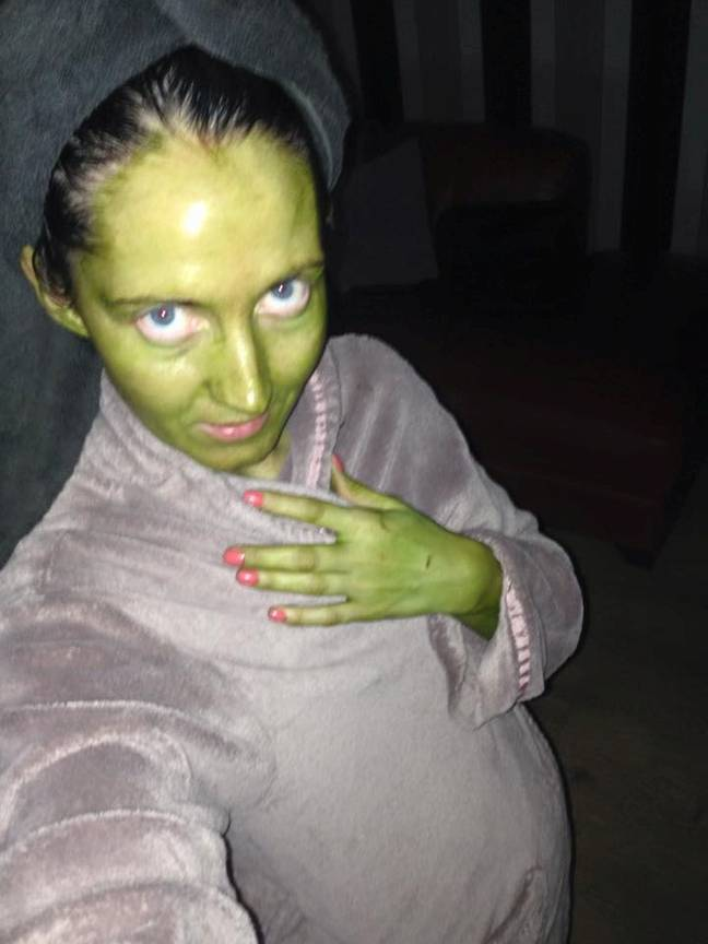 Mum Left Looking Like 'Wicked Witch Of The West' After Fake Tan Disaster