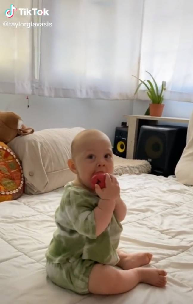 Mums Are Flashing Their Babies And Recording Their Reactions To Normalise Breastfeeding