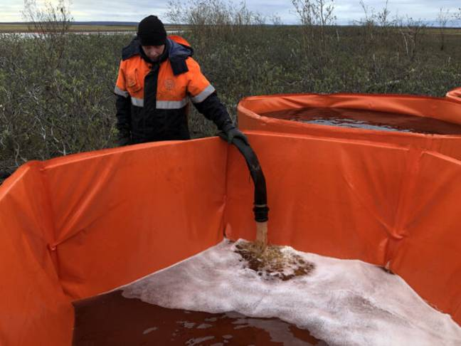 20,000 Litres Of Oil Spilled In Arctic Circle Prompts State Of Emergency Norilsk Russia