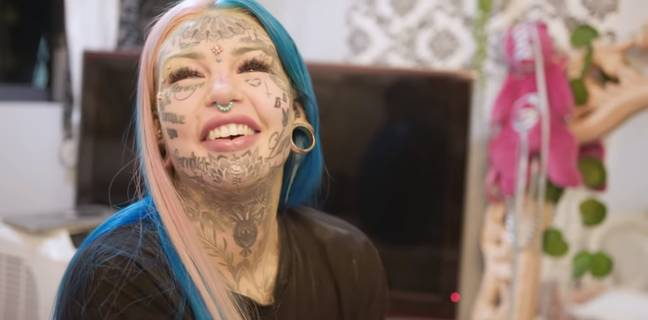 Woman Who Spent $120,000 On Body Modifications Covers Tattoos To See Herself Again 2