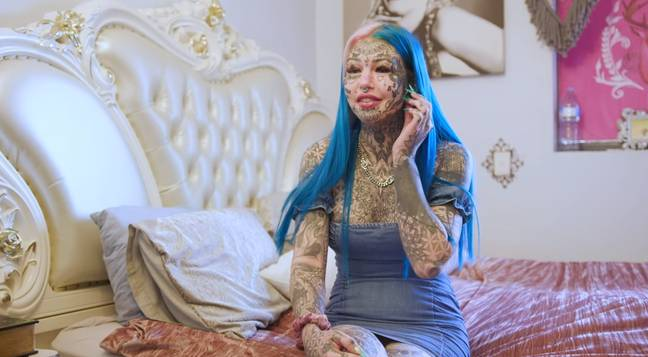 Woman Who Spent $120,000 On Body Modifications Covers Tattoos To See Herself Again 3
