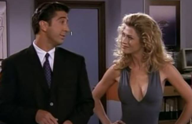 Ross helps Chandler try to quit the gym