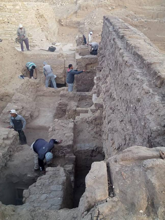 Archaeologists working in Egypt