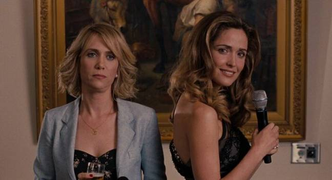 Annie (Kristen Wiig) and Helen (Rose Byrne) in Bridesmaids (Universal Pictures)