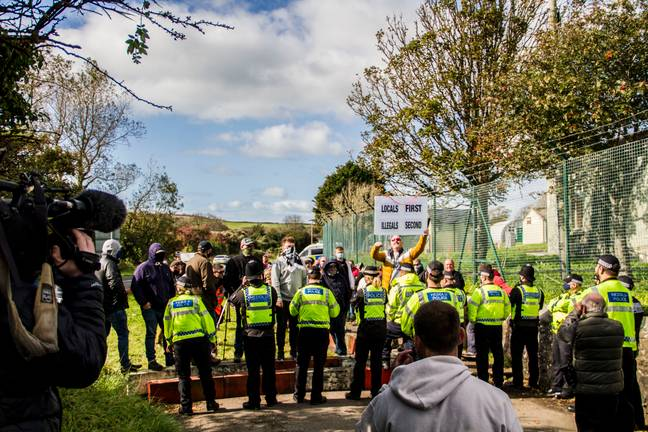 Police facing off with protestors (Simon Worley)