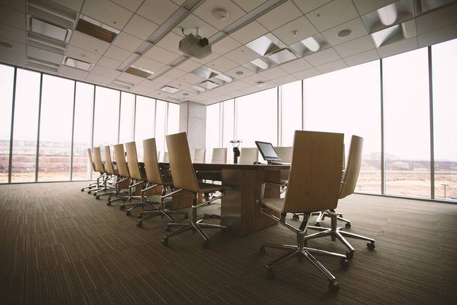 Empty conference room (Pixabay)