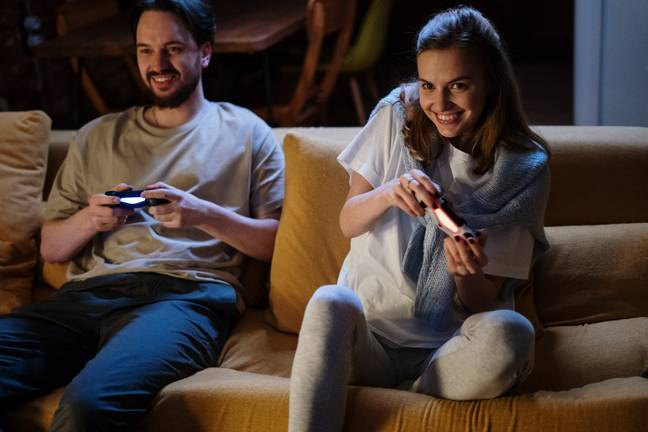 Two people playing video games (Pexels)