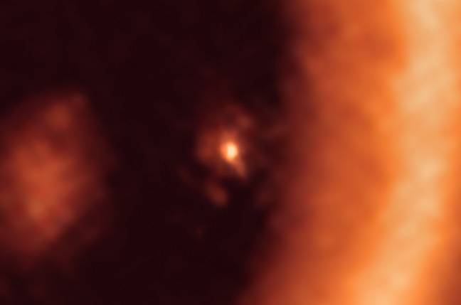 Moon-forming disc around the PDS 70c exoplanet as seen with ALMA. (ESO)