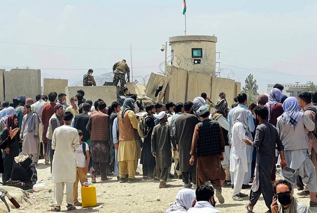 Crowds outside Kabul airport (PA Images)