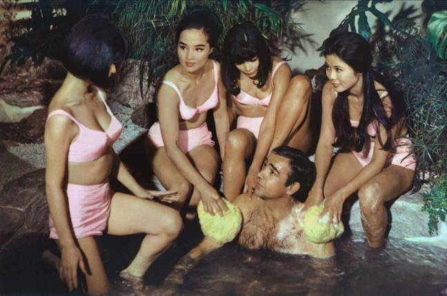 SEAN CONNERY, BOND GIRLS, YOU ONLY LIVE TWICE, 1967 - (Alamy)