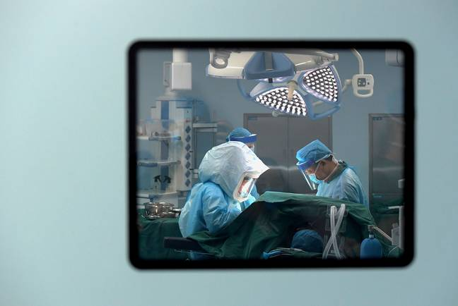 Doctors performing surgery (PA)