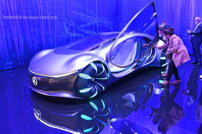 VISION AVTR concept car from Mercedes Benz / Daimler is admired. Study, futuristic, IAA Mobility Fair from September 7th to September 12th, 2021 in Munich. -Frank Hoermann / SVEN SIMON/DPA/PA Images