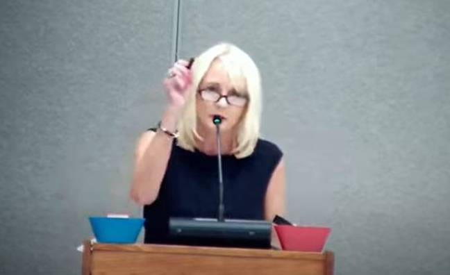 Sheryl accuses school board of being hypocritical (Aaron Chamberlain/YouTube)
