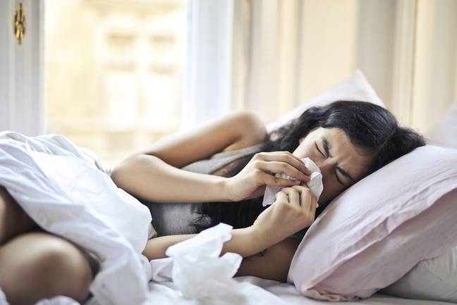The common cold is affecting people everywhere. (Pexels)
