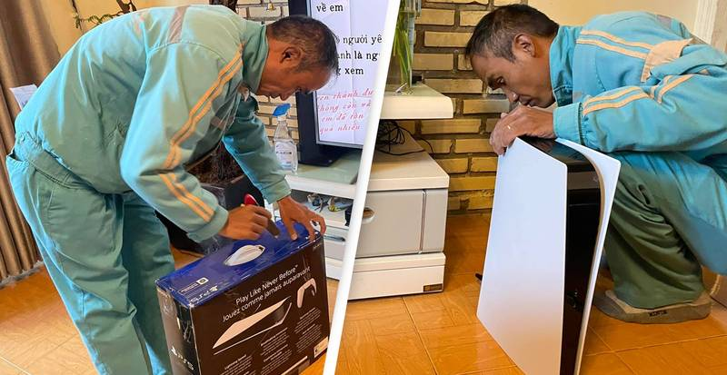Guy Pretends New PlayStation 5 Is A Wi-Fi Router To Sneak It Into Family Home