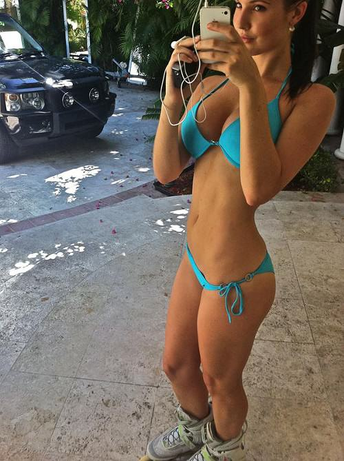 The 24 Hottest Girls On Instagram That Will Make Your Year Better %name
