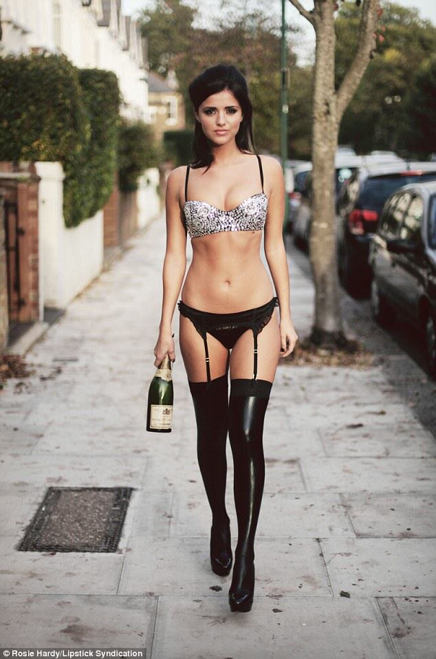 Lucy Mecklenburgh Strips Down And Looks Incredible article 0 1A5C2C0E00000578 365 634x958