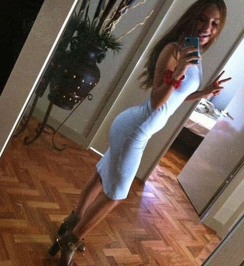 20 Girls That Make Us Jealous Of Their Outfit tight dress girls 211