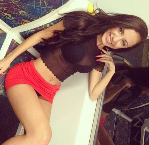 20 Girls That Make Us Jealous Of Their Outfit tight dress girls 221