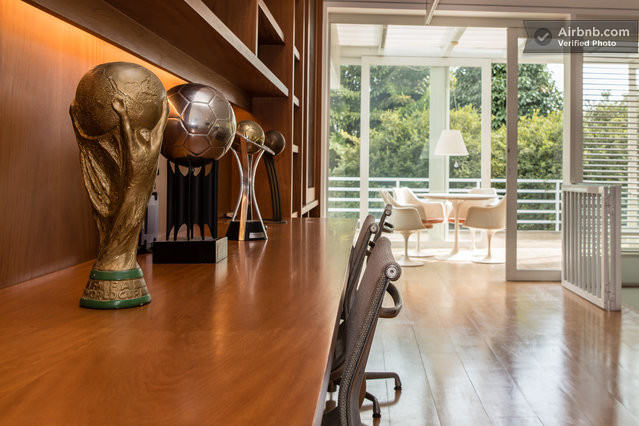 Ronaldinho Is Offering Up His Home To Fans For The World Cup large2