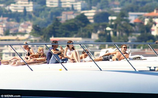 Leo DiCaprio Is Tearing Rio A New One During World Cup leo brazil 3