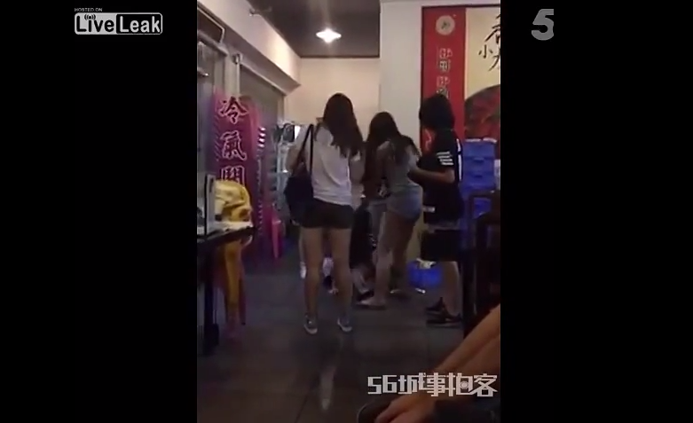 Man Jumps In On 5 On 1 Girl Fight, Obliterates Them All 18