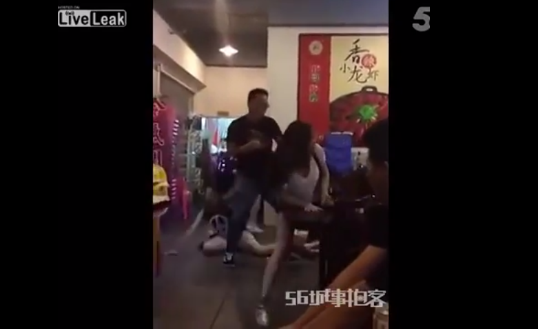 Man Jumps In On 5 On 1 Girl Fight, Obliterates Them All 2
