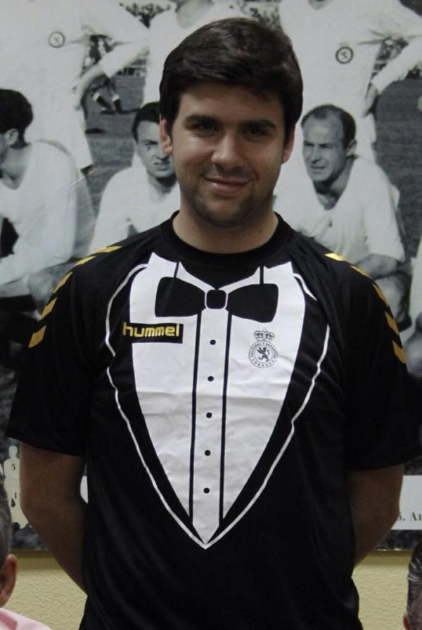 This Is The Greatest Professional Football Kit Of All Time BtJ5wm6CUAAJFbe