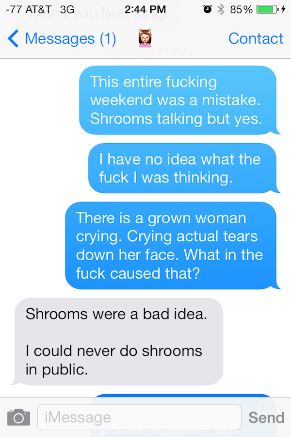 Guy Gets High On Mushrooms At Comic Con, His Texts Are Incredible comin con shrooms 1