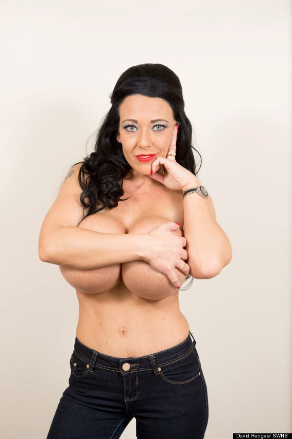 Meet Debbie Delamar, Proud Owner Of The UKs Biggest Boobs o DEBBIE DELAMAR FAKE BREASTS 570