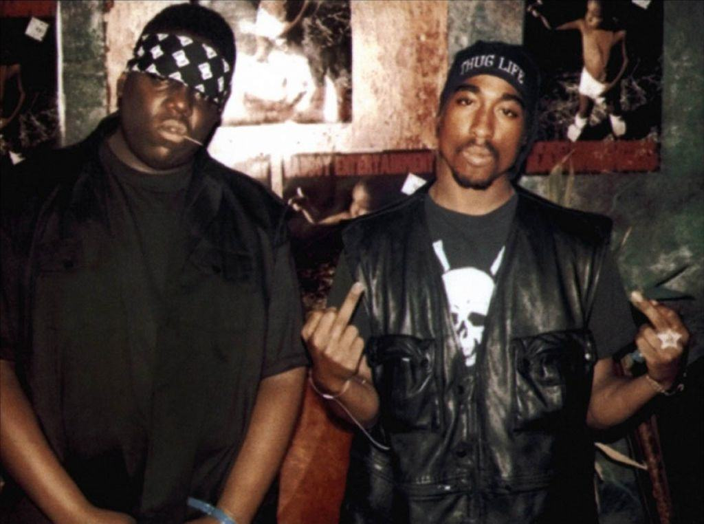 Former LAPD Detective Claims P Diddy Hired Tupac Shakurs Killer biggie et tupac 2002 01 g