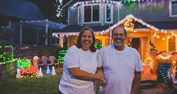 Whole Street Celebrates Christmas Early With Terminal Dad 1411656782024 wps 13 Christmas in September Fa
