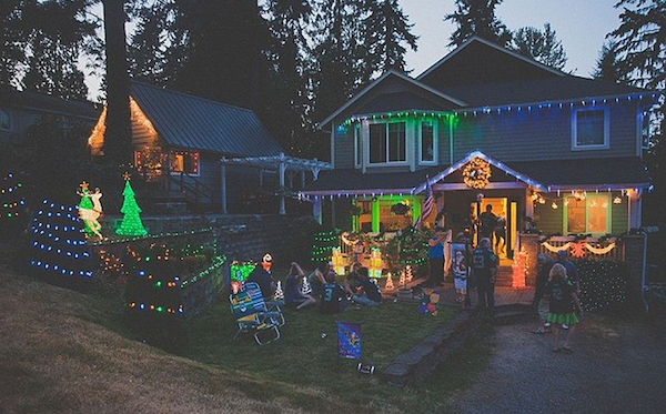 Whole Street Celebrates Christmas Early With Terminal Dad henderson elite daily7