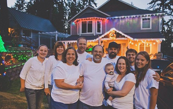 Whole Street Celebrates Christmas Early With Terminal Dad henderson elite daily8